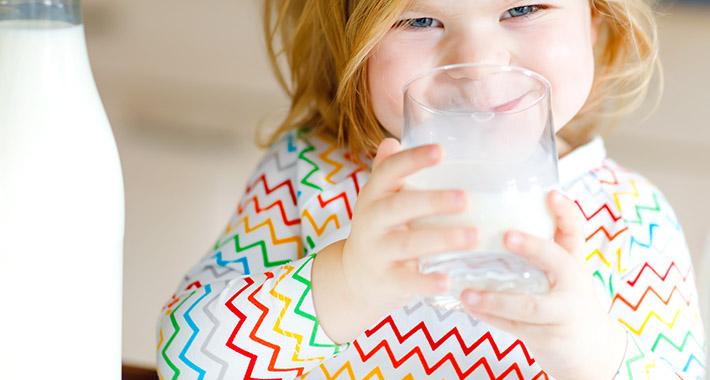 leche-sin-lactosa-tiene-calcio